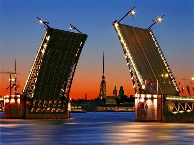Почему Санкт-Петербург называют Северной Пальмирой