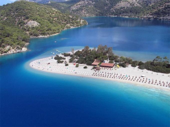 Сколько длится пляжный сезон в Турции