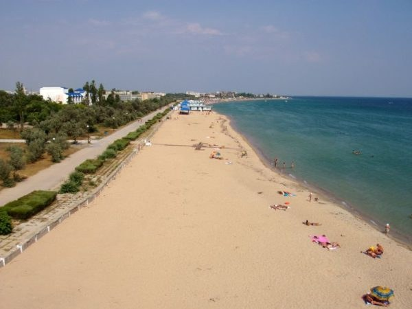Where are the cleanest beaches in the Crimea