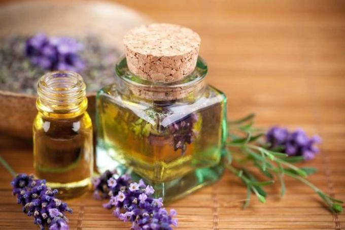 Эфирные масла - эффективное средство для секущихся кончиков волос