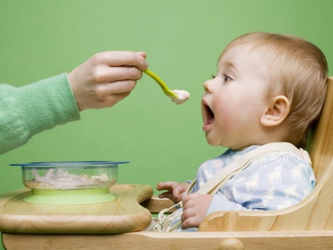 Когда давать ребенку овощное и фруктовое пюре