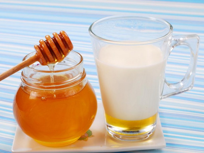 People's pharmacy: milk with honey at a temperature of