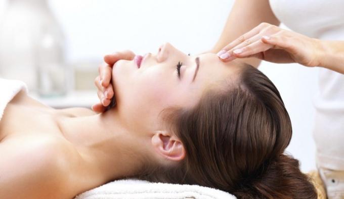 Как сделать медовый массаж для лица