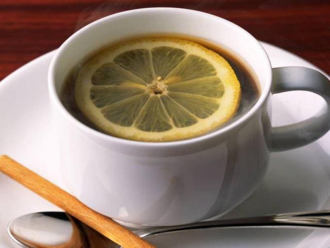 Как правильно делать чай с лимоном