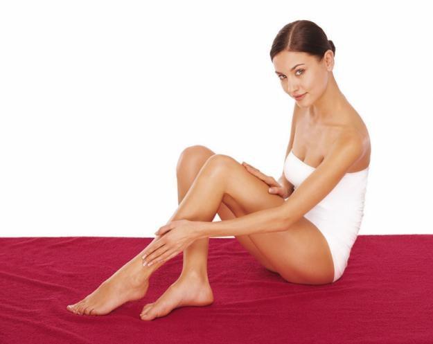 Со скольки лет можно брить ноги