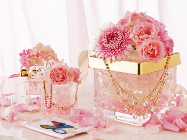 Что подарить невестке