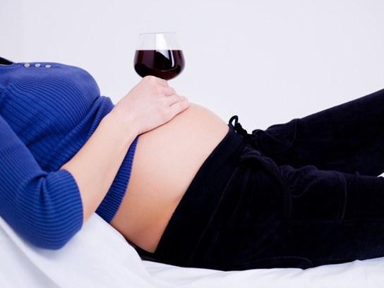 Сколько нужно воздерживаться от алкоголя перед зачатием