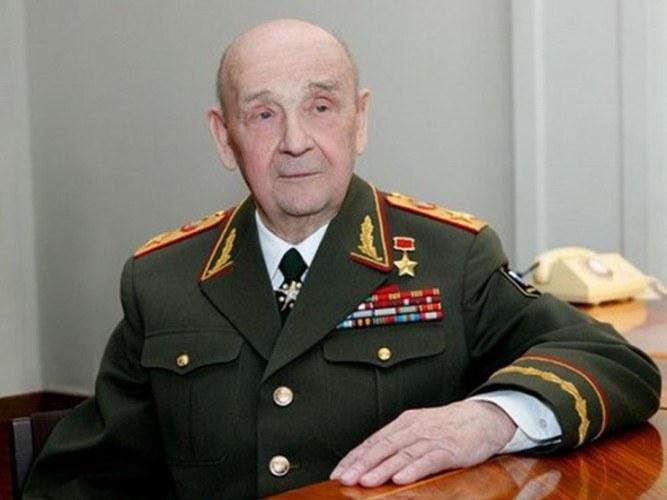 Маршал Советского Союза С.Л. Соколов, министр обороны СССР (1984-1987)