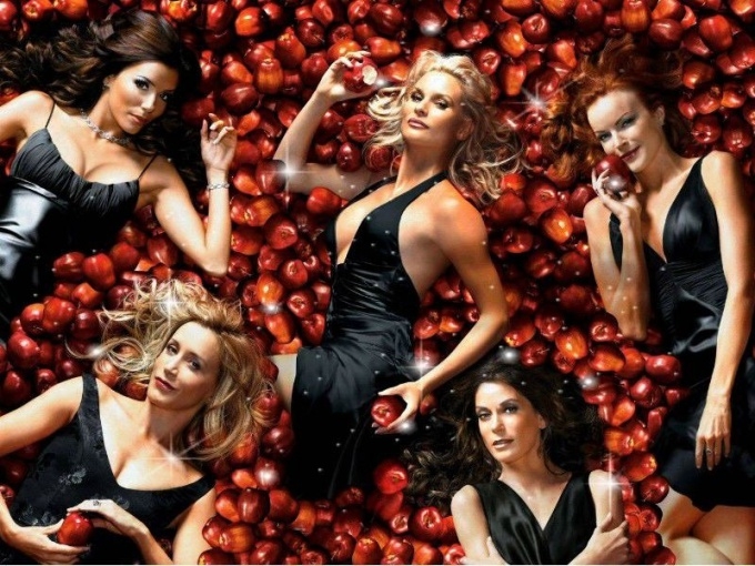 "How many seasons and episodes in the TV series ""Desperate Housewives"""
