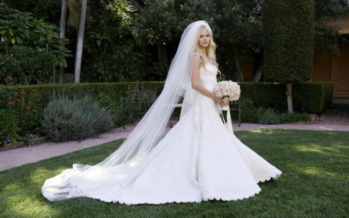 Свадебные приметы: почему нельзя мерить чужое свадебное платье