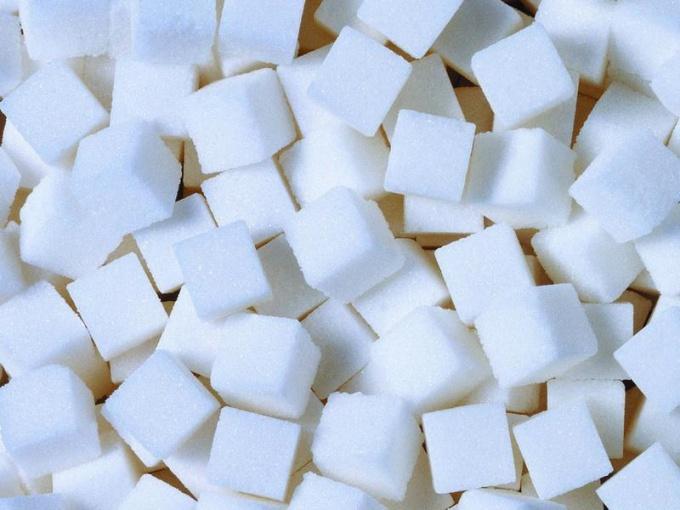 Полезно ли сахар заменять фруктозой