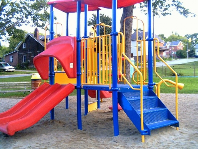 Как сделать поделки для детской площадки