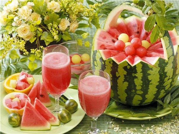 Watermelon - a tasty medicine, which eliminates the phosphate from the urine
