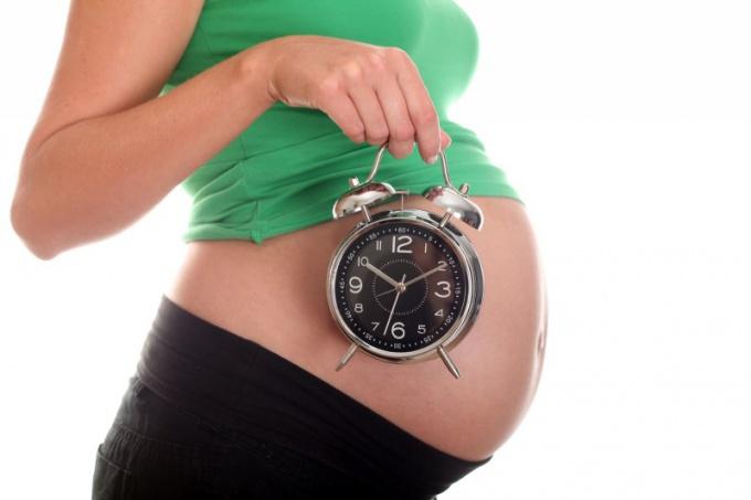 В чем  причины слабости родовой деятельности