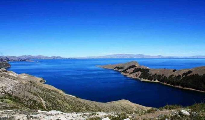 Как называется самое высокое озеро в мире