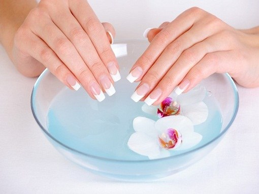Salt bath is a simple treatment of the blackened nails