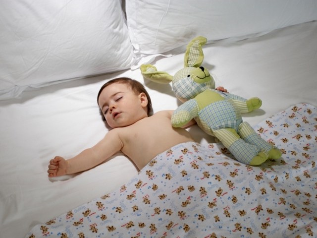 How much should the baby sleep 7-8 months