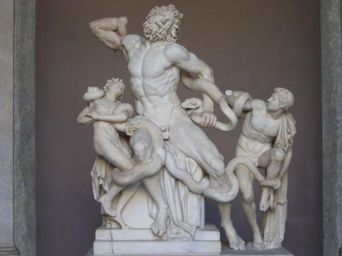 Как выглядят античные мужские скульптуры