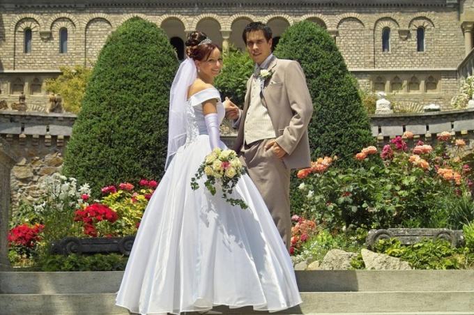 знакомство жениха и невесты на свадьбе