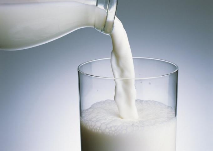 С какого возраста можно молоко