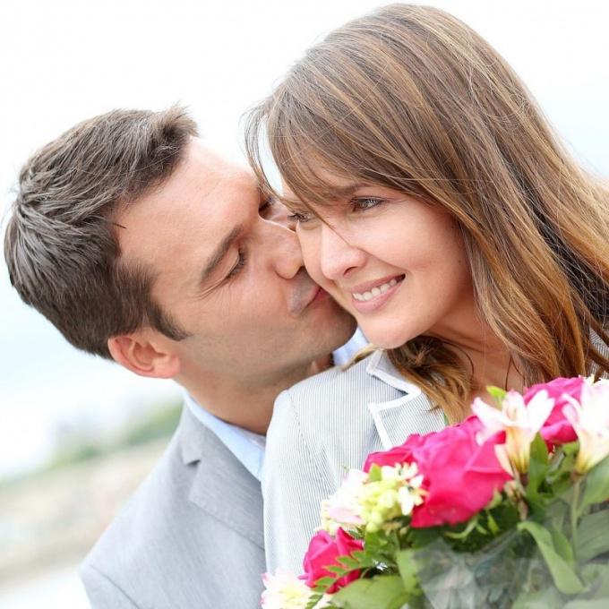 Как поздравить супругу с именинами?