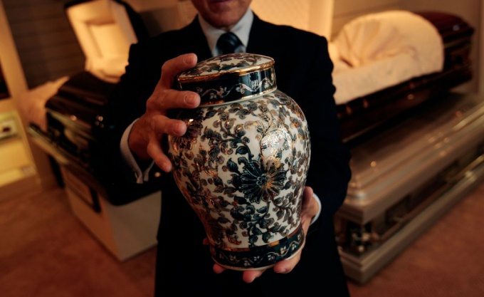 Кремация, с точки зрения экологии, наносит поменьше урона окружающей среде