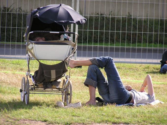 Нужны ли поворотные колеса в коляске