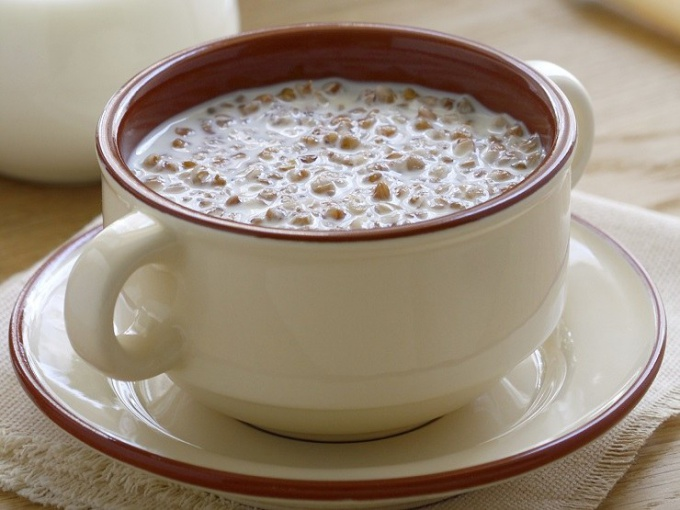 How many calories are in buckwheat porridge on the water with milk