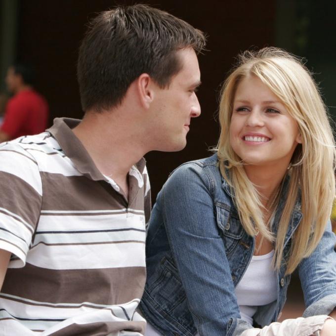 Что делать, если подруга твоей девушки пытается тебя соблазнить