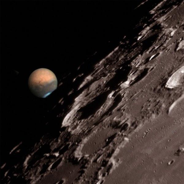 Сколько километров до Луны от Марса