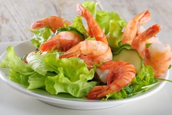 Салат с креветками ко Дню Святого Валентина