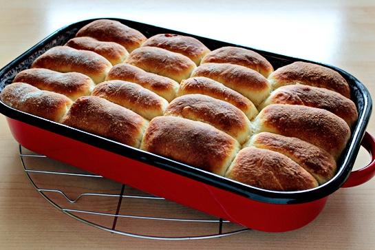Как приготовить сдобные булочки с джемом
