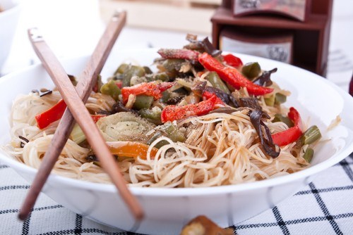 Mushrooms with chilli, ginger and soba noodles