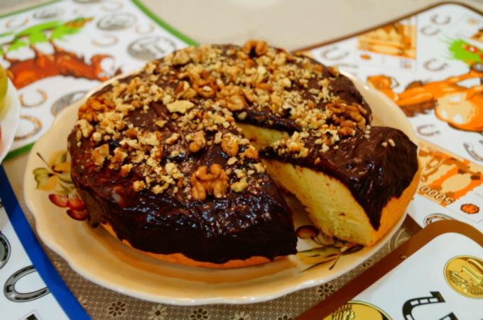 Торт с шоколадной глазурью в мультиварке