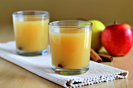 Как приготовить горячий яблочный сидр