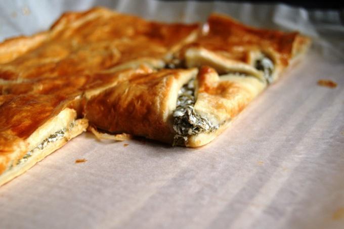 Пирог с щавелем и козьим сыром