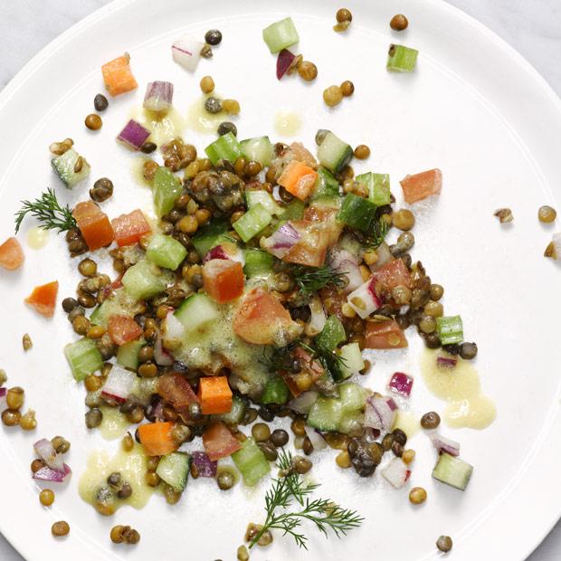 Как сделать салат из чечевицы