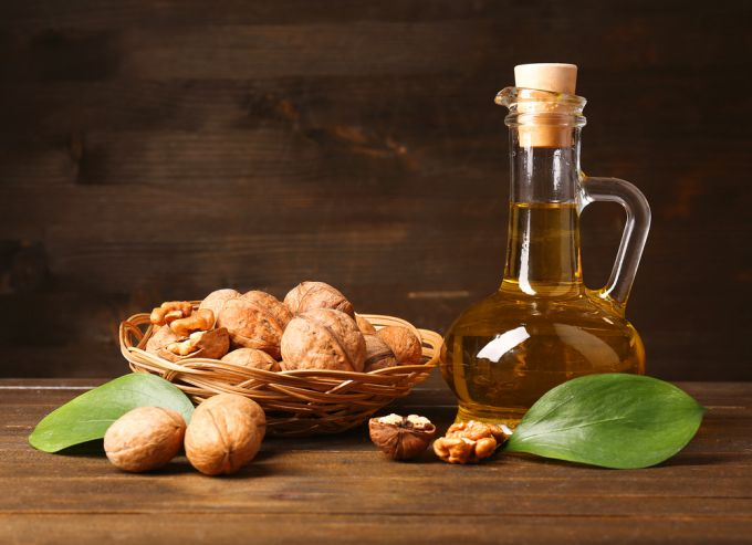 Эфирное масло грецкого ореха: полезные свойства, применение