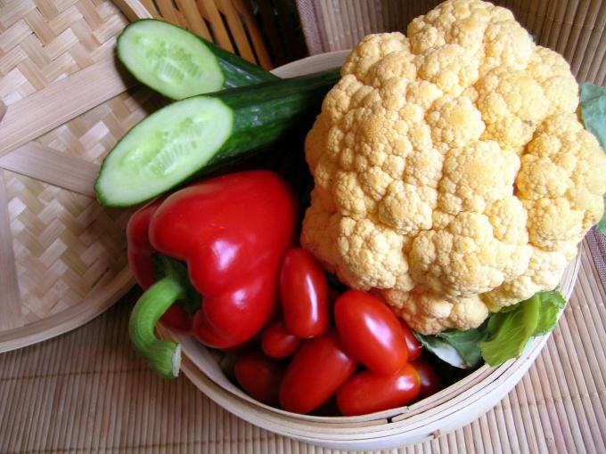 Как приготовить диетический салат из цветной капусты