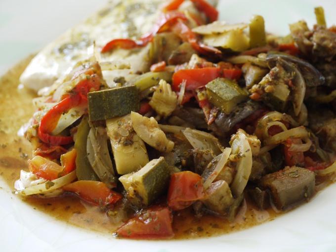 Как приготовить вкусный салат с баклажанами