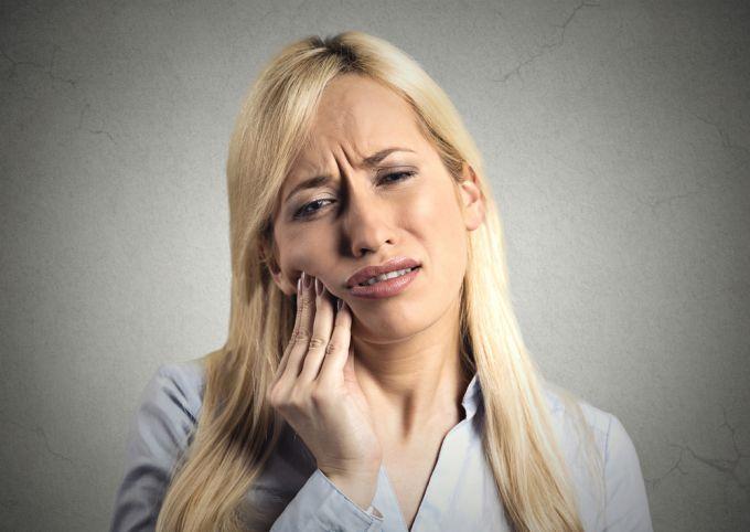 Что делать, если режется зуб мудрости