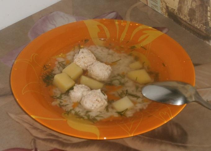 Суп с фрикадельками из куриного филе