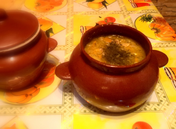 Добавьте в суп зелень на ваш вкус