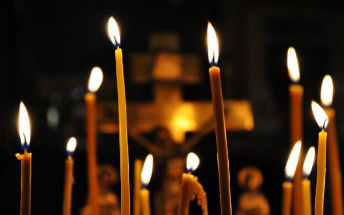 Картинки по запросу свечи в храме