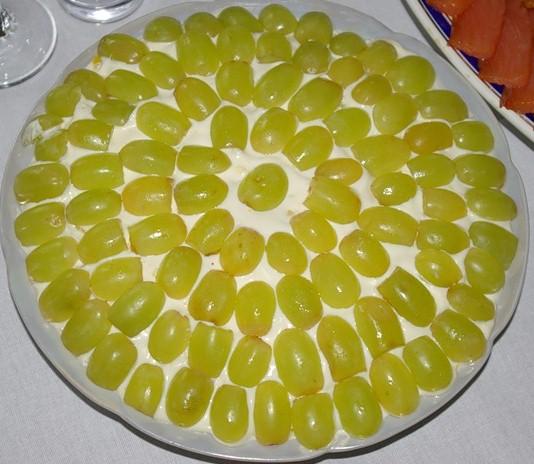 Как приготовить салат «Виноградинка»
