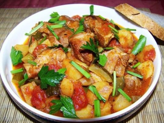 Как приготовить азу по-татарски в горшочке