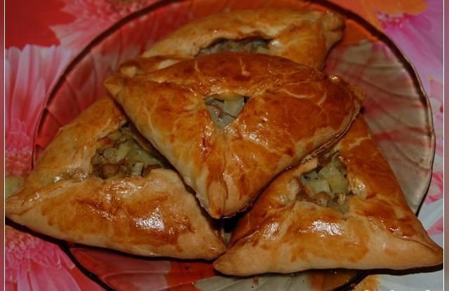 "татарские пирожки-треугольники ""эчпочмак"""