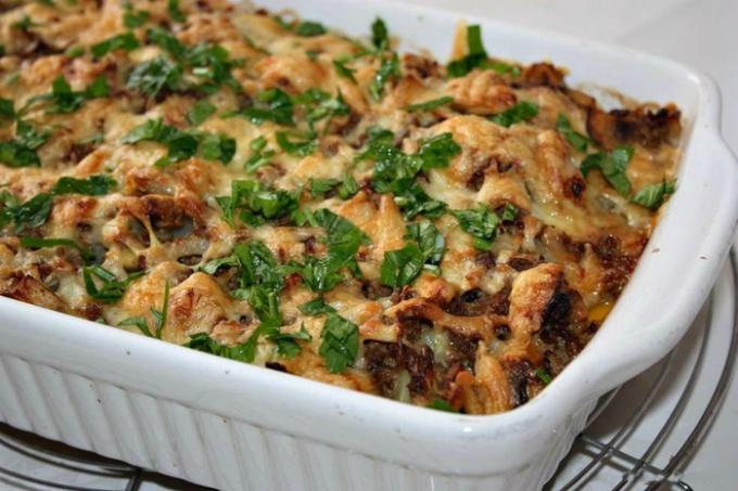 Как сделать запеканку из фарша и картофеля в духовке
