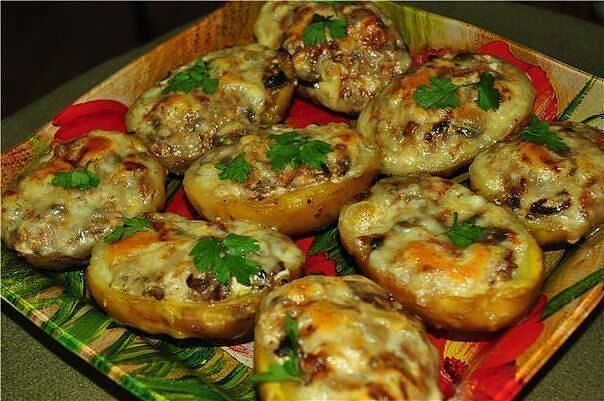 Картофель в духовке с фаршем пошаговый рецепт