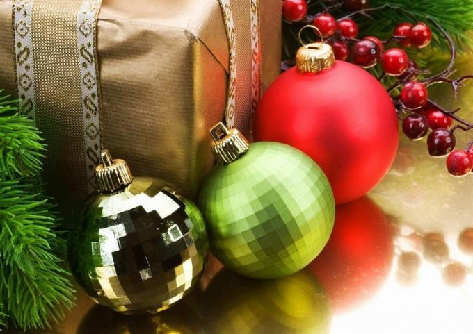 Как выбрать новогодние украшения